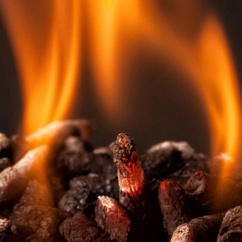 Vantaggi a bruciare i bricchetti di legno - CO.MA.FER. Macchine srl